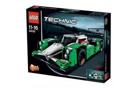 Пластиковый конструктор LEGO Technic Гоночный автомобиль (42039)